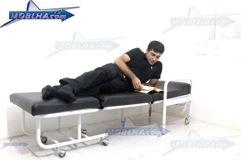 خواب در روی صندلی همراه بیمار