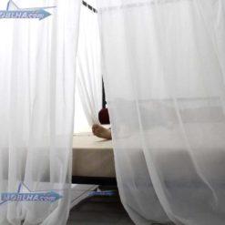 پرده ها بسته و شخصی خوابیده در تختخواب پرنسسی کد 111