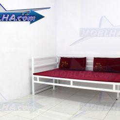 تخت سفید رنگ سنتی کد 124