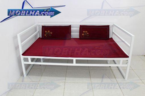 تخت سنتی کد 124 به رنگ سفید مناسب داخل و خارج منزل ، تخت رستورانی ، تخت مناسب حیاط ، تخت باغی ، تخت ویلایی