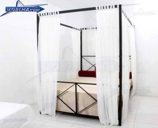 تخت خواب ستون دار با پرده مدل 109