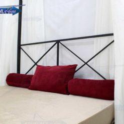 نمای نزدیک از تاج بزرگ تختخواب پرنسسی